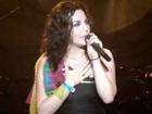 Amy agradecendo aos fãs brasileiros, Maquinária festival - São...