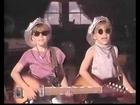 mary-kate and ashley olsen singing Nothing to do