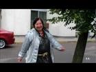 Moteris prie zakso (funny dancing woman)