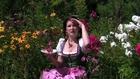 Belles femmes russes polonaises font cuisine gâteaux
