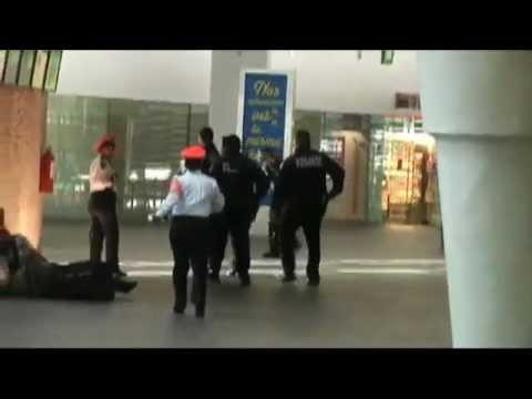 Balacera Aeropuerto DF 2 Policias Federales matan a 3 Policias Federales 25 junio 2012 | PopScreen