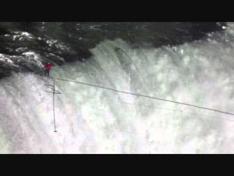 Nik Wallenda Walks Wire Across Niagara Falls! | PopScreen