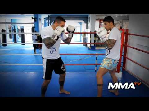 Gibi Thai - Video Aula Muay Thai - Defesa de Canela do Chute Circular na Coxa | PopScreen