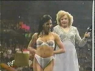 divas - wrestling bloopers - the kat strips | PopScreen