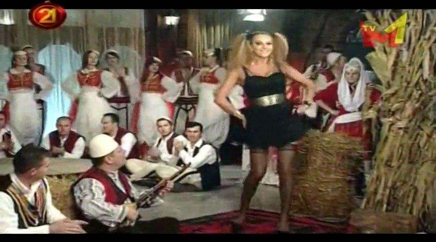 Naim Krasniqi e Gjyste Vulaj - Kollomoqi - Gezuar 2012 RTV21 | PopScreen