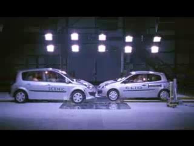 renault scenic mpv vs renault clio compact car crash test popscreen. Black Bedroom Furniture Sets. Home Design Ideas