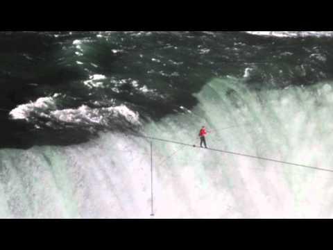 Nik Wallenda walks across Niagara Falls | PopScreen