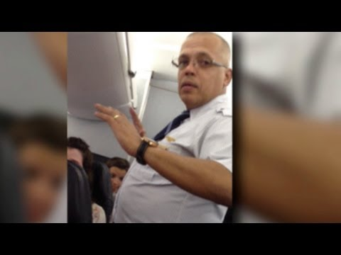 Flight attendant flies off the handle - New York Post | PopScreen