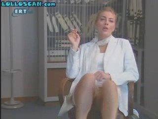 Smaragda Karidi - Upskirt No Panties TV Grecia | PopScreen