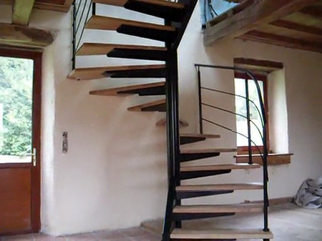 fabricant d 39 escalier h lico dal 3 4 tournant metal et marches en. Black Bedroom Furniture Sets. Home Design Ideas