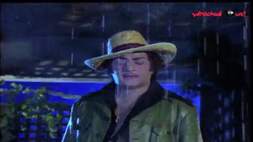 Vetagadu Scene Ntr Hot Sridevi In White Wet Saree Scene Before Aaku Chatu Pinde Song Popscreen
