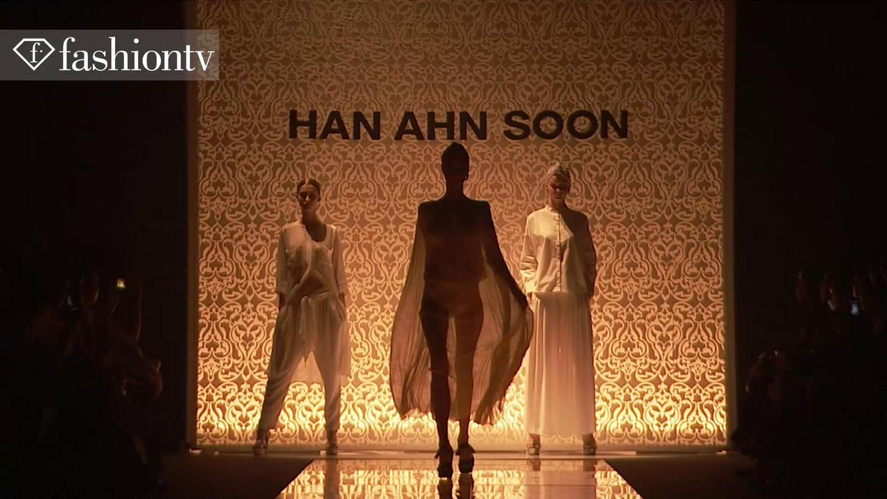 Han Ahn Soon Spring 2012 touchMe Collection in Tokyo | FTV
