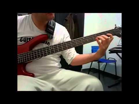 Aula de Baixo Blues minor- tom Cm | PopScreen