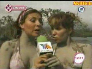 Andrea Escalona y Mariana Ochoa | PopScreen