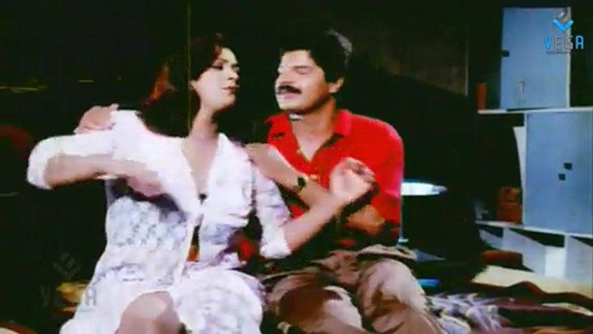 Paruvam - Shakeela Hot Scene | PopScreen