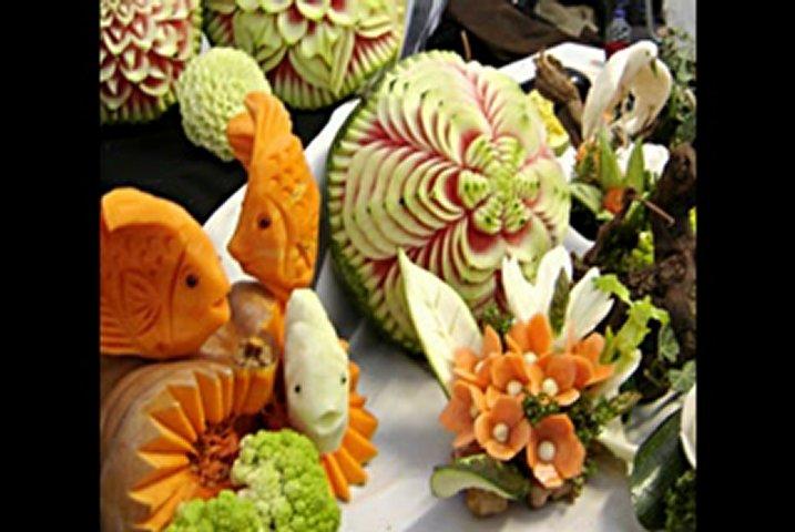 sculptures sur fruits et l gumes l 39 artisanat et l 39 industrie. Black Bedroom Furniture Sets. Home Design Ideas