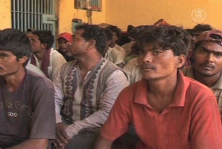 Pakistan Arrested Indian Fishermen in 2013 Pakistan Arrests 26 Indian
