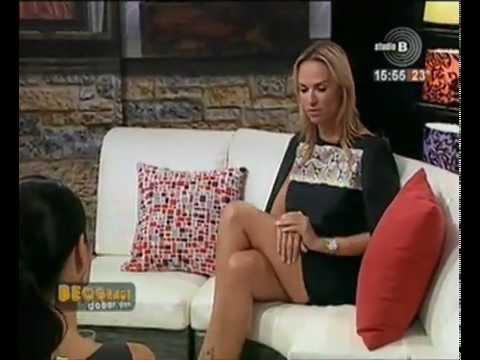 Marija Mateus STRASNE NOGE perverzno !! (Marijana Matthaeus sexy crossed legs) | PopScreen
