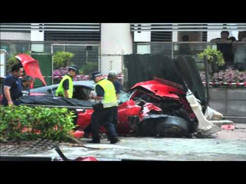 Singapore Car crash - Ferrari 599 GTO Vs Taxi