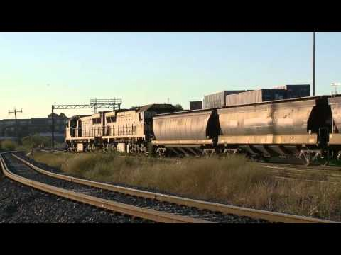Grain Train Departing Melbourne - Australian Railways, Railroads and #1 Trains | PopScreen
