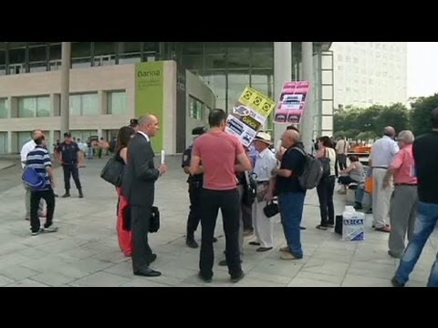 Anger at Bankia AGM | PopScreen