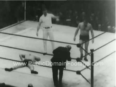 1930 vintage wrestling match Newsreel PublicDomainFootage.com | PopScreen