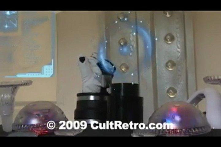 Sexy Sci-Fi Superheroine in Peril - CultRetro.com | PopScreen