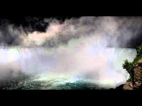 Daredevil Nik Wallenda prepares to tightrope over Niagara Falls | PopScreen