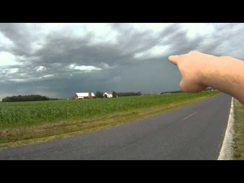 Severe thunderstorm producing ping-pong ball size hail and brief tornadoes!!! (6-29-12) | PopScreen
