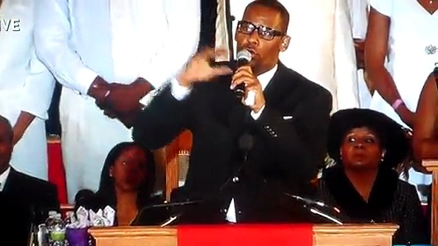 R Kelly I Look To You Whitney Houston's Funeral ...