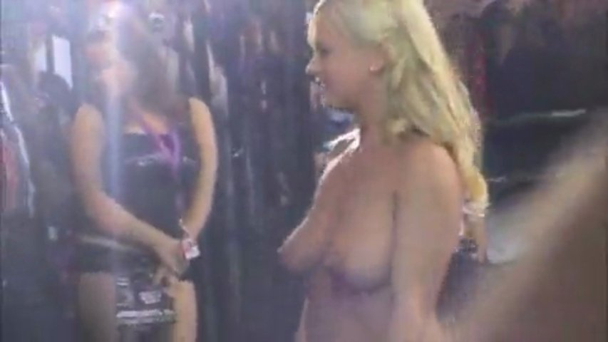 Bree Olson Nude at the Venus Convention | PopScreen