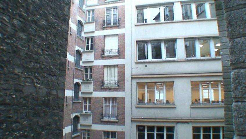 Appartement vendre paris 15 me popscreen for Appartement atypique 15eme