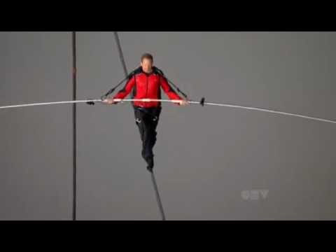 Daredevil Nik Wallenda Walks Tight Rope Across Niagara Falls - June 15, 2012 | PopScreen