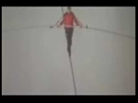 Nick Wallenda Tightrope Walks Across Niagara Falls - [First Minutes] | PopScreen