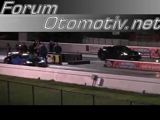 bugatti veyron 16 4 drag racing 1 4 mile real word run. Black Bedroom Furniture Sets. Home Design Ideas