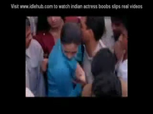 (1) Jyothika boobs pressed in public | PopScreen