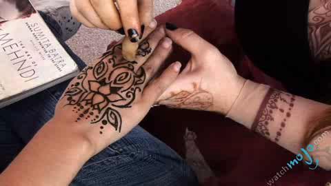 Latest henna tattoos videos at PopScreen