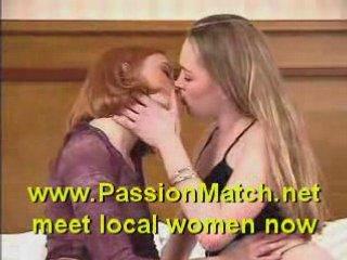 Teen Lesbians Kissing | PopScreen