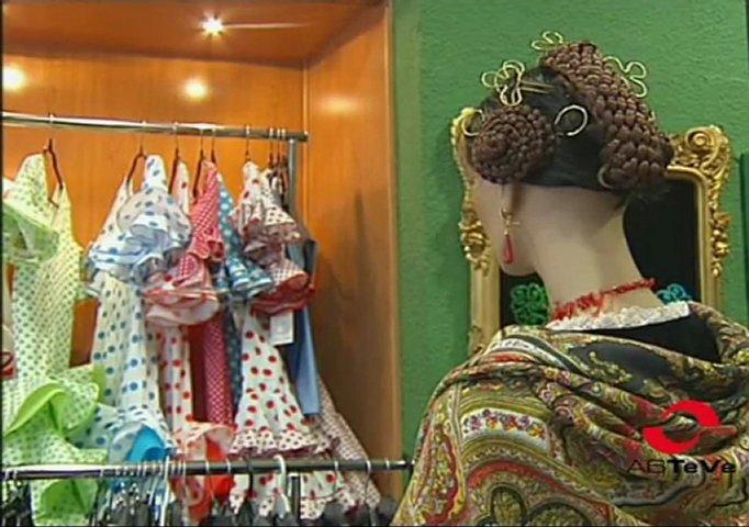 El arte de la elaboración y entallado de los trajes tradicionales | PopScreen