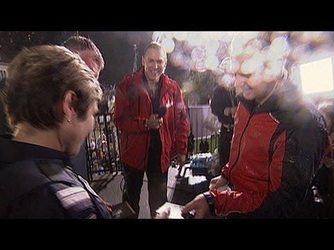Megastunts: Nik Wallenda is Welcomed to Canada After His Tightrope Walk Over Niagara Falls | PopScreen