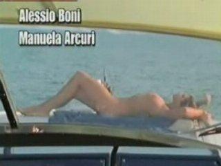 Manuela Arcuri - Nuda | PopScreen