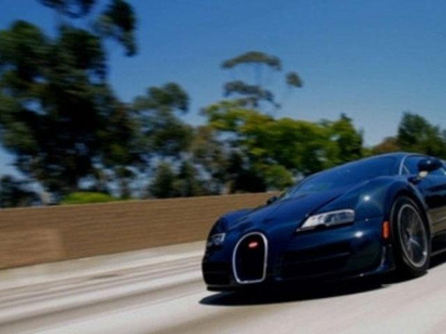 jay leno 39 s garage bugatti veyron 16 4 super sport popscreen. Black Bedroom Furniture Sets. Home Design Ideas