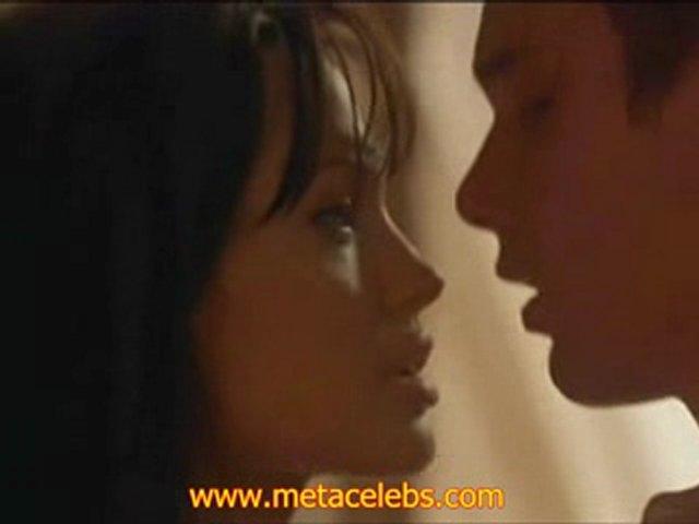 Angelina Jolie Hot Boobs Popscreen