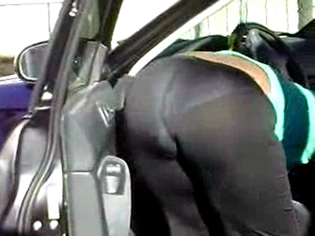 Candid See Thru Bubble Booty Spande Bendover Popscreen