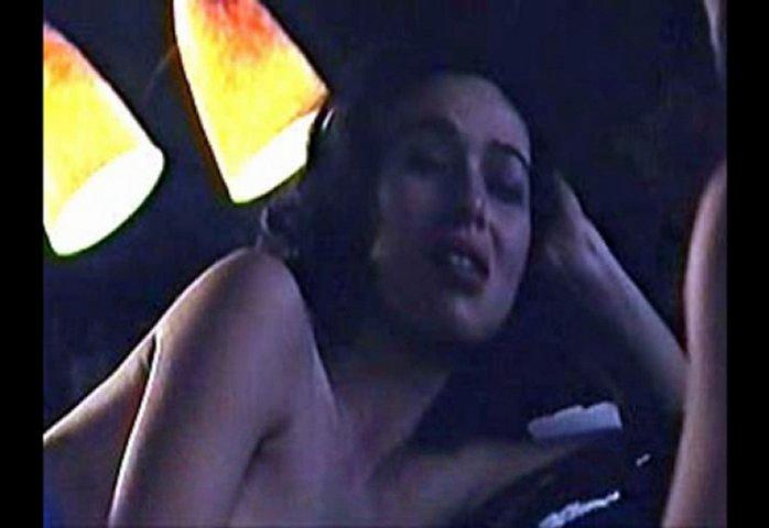 Ariadna Gil Pillada Desnuda Sexy y Sin Ropa !! | PopScreen