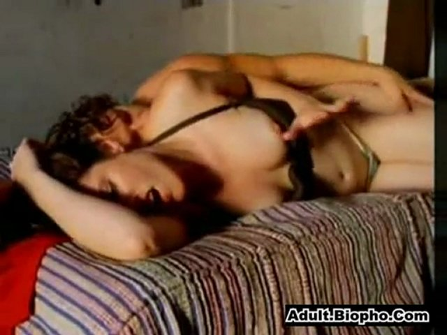 Kennedy Johnson - Sexy Actress Making Out On Bed | PopScreen