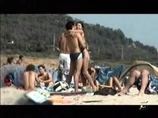 Daniela Cicarelli Transando Na Praia | PopScreen
