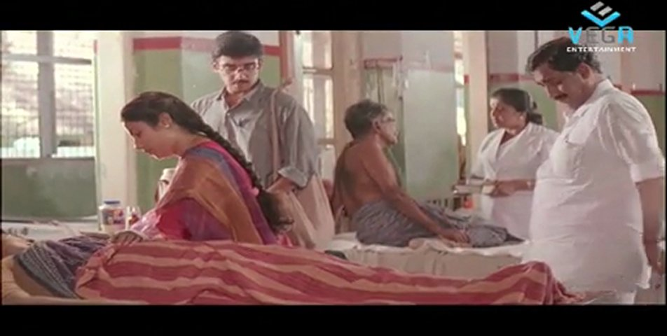 Samooham -Suhasini Visits Hospital To Meet The Victims