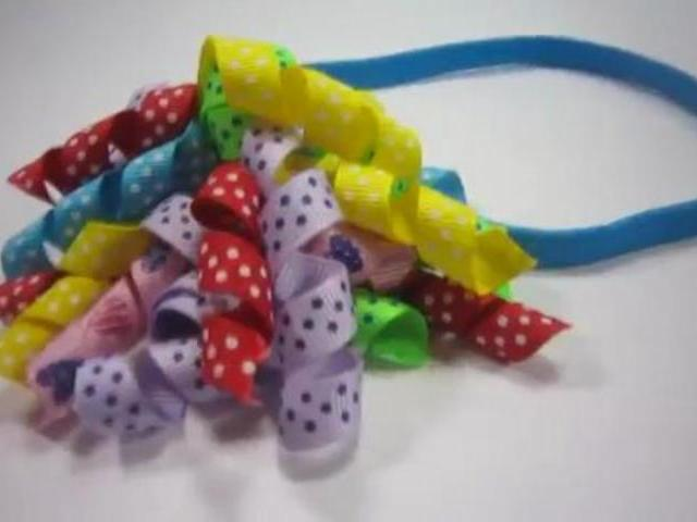 How to Make a Korker Ribbon Hairband | PopScreen