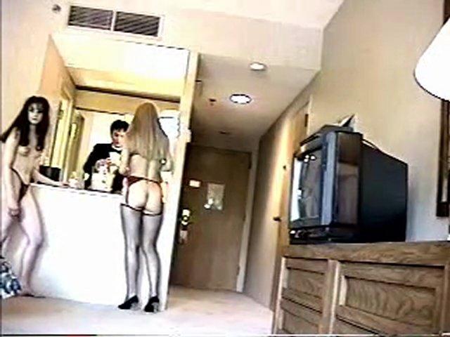 Nude at door | PopScreen